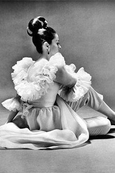 Balenciaga 1968. Photo Helmut Newton pour Vogue.