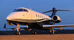 Bombardier Challenger 300 Private Jet