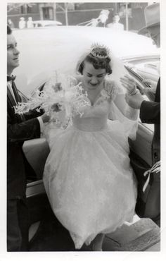 An interesting set of lovely photos that capture beautiful brides from inside of the cars.
