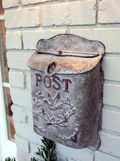 . Fixer Upper Tv Show, Fixer Upper Joanna, Magnolia Fixer Upper, Antique Mailbox, Vintage Mailbox, Magnolia Mom, Magnolia Farms, Farmhouse Style, Farmhouse Decor