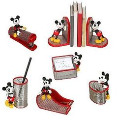Bon Mickey 6 Pc. Mesh Desk... I Want This!