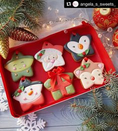 ideas gifts christmas cookies for 2019 Christmas Biscuits, Christmas Sugar Cookies, Christmas Sweets, Christmas Cooking, Holiday Cookies, Holiday Treats, Christmas Recipes, Christmas Cookie Cutters, Christmas Cupcakes