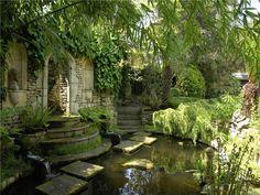 Oaklawn Lodge - Wimbledon London   Secret Garden