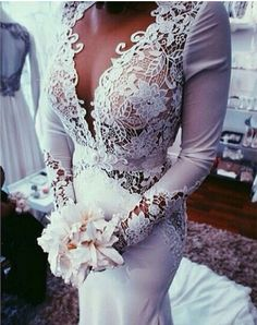 Love the lace detail on thjs dress!
