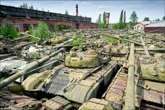 Приключения Иткина и его друзей - Бронетанковый ремонтный завод