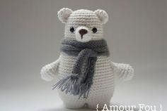 Leopold the bear: free crochet pattern