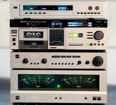 Hitachi. I'd like to listen to this System in real life one day. Maybe someone near me has one of these...