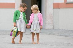 Salzburger Heimatwerk -  Tracht für Kinder Baby Sweaters, Lily Pulitzer, Shirts, Dresses, Style, Fashion, Dirndl Blouse, Dress Skirt, Lace Cardigan