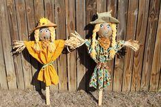 Build a Cute Scarecrow