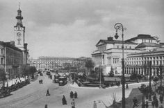 Theatre Square in Warsaw, c. 1925: on the right - the Great Theatre, on the left - Jabłonowski's Palace (1818-1939 seat of President of Warsaw