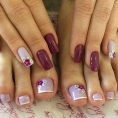 31 fotos de unhas decoradas com esmalte roxo Cute Toe Nails, Toe Nail Art, Pretty Nails, Acrylic Nails, My Nails, Grow Nails, Toe Nail Designs, Nagel Gel, Nail Decorations