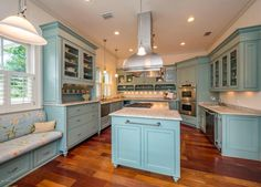 Kitchen upgrades that appeal to the home chef... learn more by visiting my blog! Link in bio!  Also if you love this kitchen it could be yours! Give me a call to learn more about this beautiful home!  #atlanticbeachrealestate #jacksonvillerealestate #luxuryrealestate #globalinvestment #globalrealestate #kitchengoals #houseofblue #beachhouse #homeforsale #beachlife #realty #realtor #floridalifestyle #jenniferhullrealtor #goodtoknowjhull