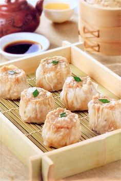 Beef Shumai Served on Bamboo Plater Easy Salad Recipes, Asian Recipes, Beef Recipes, Asian Foods, Orange Peel Chicken, Starch Foods, Easy Potato Salad, Tasty Chocolate Cake, Recipes
