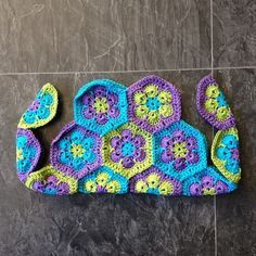hexagon purse - something to do with all of my african flowers!