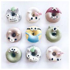 Adorable japanese donuts donots em 2019 десерты, пончики e е Fancy Donuts, Cute Donuts, Delicious Donuts, Delicious Desserts, Japanese Donuts, Baked Donuts, Doughnuts, Donut Images, Cute Baking