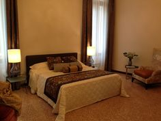 Main bedroom with #Venini lamps and #Rubelli fabrics! The best for your dreams