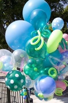 I've never seen a balloon bouquet like this. Beautiful!