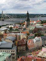 Baltijas Valstis (a balti államok): Riga – Óváros (Vecrīga)   Rigai Dóm tornya