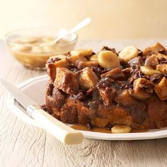 Get Mother's Day brunch going with our Slow Cooker Caramel-Banana-Pecan Bread Casserole. It's as easy as tossing ingredients into your slow cooker. Best Brunch Recipes, Breakfast Crockpot Recipes, Slow Cooker Breakfast, Dessert Recipes, Cooking Recipes, Favorite Recipes, Slow Cooking, Breakfast Casserole, Bread Crockpot