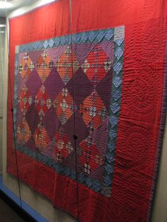 From Amish Quilt Museum. Amische Quilts, Sampler Quilts, Strip Quilts, Antique Quilts, Vintage Quilts, Vintage Sewing, Amish Quilt Patterns, Patchwork Patterns, Nine Patch Quilt