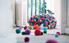 Pom Pom Pouf multi-coloured