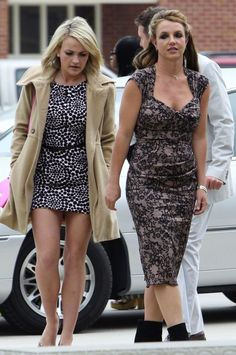 Britney and Jamie Lynn Spears at Easter Sunday Church Services Celebrity Siblings, Celebrity Women, Brother Pictures, Happy 22nd Birthday, Jamie Lynn Spears, Usa Girls, Maria B, Britney Jean, Hollywood Gossip