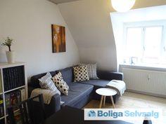 Holmehusvej 74, 2. th., 5000 Odense C - Skøn og lys 2-værelses lejlighed, beliggende i Odense C. #ejerlejlighed #ejerbolig #odense #selvsalg #boligsalg #boligdk