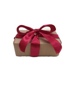 Excited to share the latest addition to my #etsy shop: Gift Box- Spa Gift Box **Vanilla http://etsy.me/2k5OBCm #bathandbeauty #vanilla #cocoa #naturalsoap #handmadesoap #spagiftbox #spagiftbasket #giftbasket #christmas