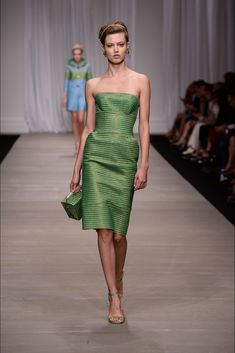 Ermanno Scervino - Spring 2015 Ready-to-Wear - Look 1 of 38