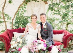 Make a statement with bright colored lounge pieces for your wedding! more inspiration at our blog!