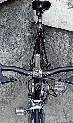 Castigada en el ricón… Llegando al trabajo… #commuter #ride #cycling #bike #leonesp