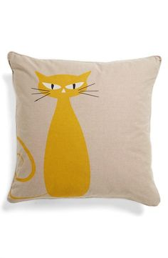 Meow: Standing cat pillow (could make it a black cat) Sewing Pillows, Diy Pillows, Decorative Pillows, Cushions, Throw Pillows, Cat Crafts, Sewing Crafts, Sewing Projects, Cushion Covers