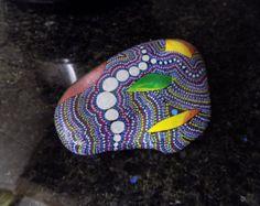 Rock arte arte de libélula piedra pintados por etherealearthrockart
