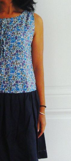 Robe liberty Poppy and Daisy gentiane / lin bleu à partir du modèle S du Happy homemade 1
