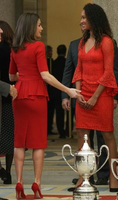 Queen Letizia in stunning red Carolina Herrera Peplum Dress for Annual Sports Awards Peplum Dress, Lace Dress, Sports Awards, Royal Clothing, Queen Letizia, Office Dresses, Quinceanera Dresses, Royal Fashion, Cute Dresses