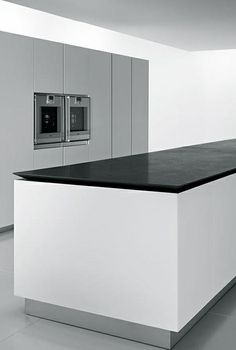 Xila aprile kitchen antiquated timber matte stainless for Boffi cucine italia