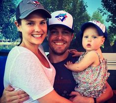 Picset of Stephen Amell and his adorable family