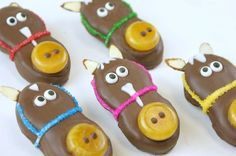 LOVE LOVE LOVE!!!!  Horse Cookies & Cookie Pops (made w/ Nutter Butter Cookies) by Miss CandiQuik