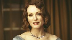 Starring Nicole Kidman, Meryl Streep and Julianne Moore, The Hours was released in 2003 in the United Kingdom. The drama film was directed by Stephen Daldry and its screenplay was created by David Hare. Julianne Moore, Nicole Kidman, Virginia Woolf, Far From Heaven, Kingsman The Golden Circle, Critique Film, Still Alice, Movies And Series, The Big Lebowski