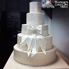 Add colorful flowers and this would be an outstanding cake.