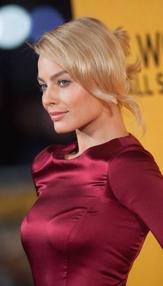 margot robbie pics and gifs - Hot Celebrities Margot Robbie Lobo, Margot Robbie Style, Actress Margot Robbie, Margot Robbie Harley Quinn, Prettiest Actresses, Beautiful Actresses, Gal Gadot, Margaret Robbie, Blonde Actresses