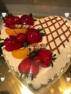 Jello Deserts, Gelato Shop, Jello Cake, Valentines Sweets, Purple Cakes, Cake Factory, Gelatine, Pudding Desserts, Desert Recipes