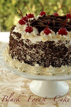 Master classes on cake decorating Cake Decorating Tutorials (How To's) Tortas Paso a Paso Gourmet Recipes, Cake Recipes, Dessert Recipes, Just Cakes, Cakes And More, No Bake Chocolate Cake, Black Forest Cake, Gingerbread Cake, Cake Decorating Tutorials
