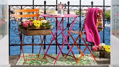 Colorful balcony... I can taste the summer feeling...