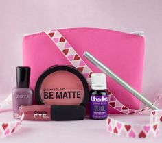 """Ipsy   February 2014   """"The Look of Love""""   Glam Bag"""