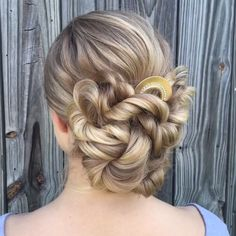 50 Glam Updo Styles For Wedding! - Makeup Tips , 50 Glam Updo Styles For Wedding! Do you wanna see more fab hairstyle ideas and tips for your wedding? Then, just visit our web site babe! Updo Styles, Curly Hair Styles, Box Braids Hairstyles, Hairstyle Ideas, Updos Hairstyle, Tail Hairstyle, Perfect Hairstyle, Teen Hairstyles, School Hairstyles