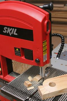 Tuning Up a Benchtop Band Saw. Woodworking.com  @Kre8Now_Makerspace