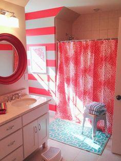sisters bathroom 6th Street Design School: Feature Friday: Vivid Hue Home