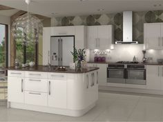 Image from http://www.diy-kitchens.com/assets/images/kitchens/ranges/room-sets/large/livorna-white-zoom.jpg.