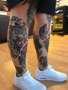 #tattoo #legtattoo #colorfultattoo #traditionalstyle #inked #odensetattoo #odense #elektrisktatovering #tattoos Sweet Tattoos, Black Tattoos, Small Tattoos, Tiny Tattoo, Traditional Tattoo Leg Sleeve, Traditional Tattoo Art, Tattoo Pain, Calf Tattoo, Body Art Tattoos